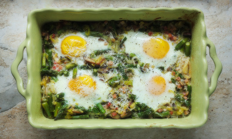 Baked eggs and asparagus - Leaf + Grain | Leaf + Grain