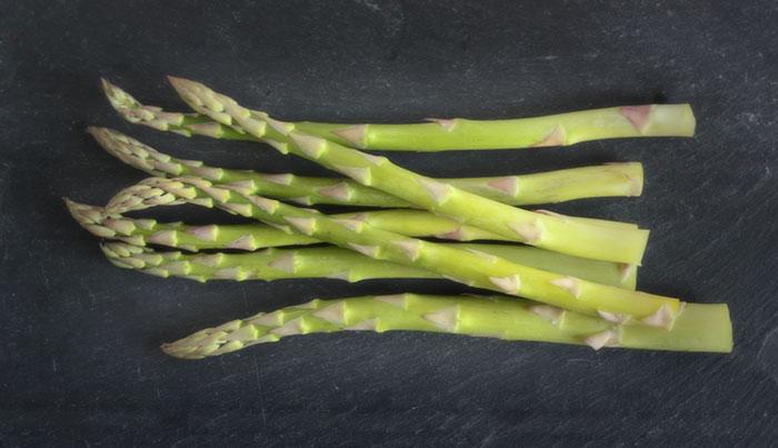 baked-eggs-asparagus-3-050513